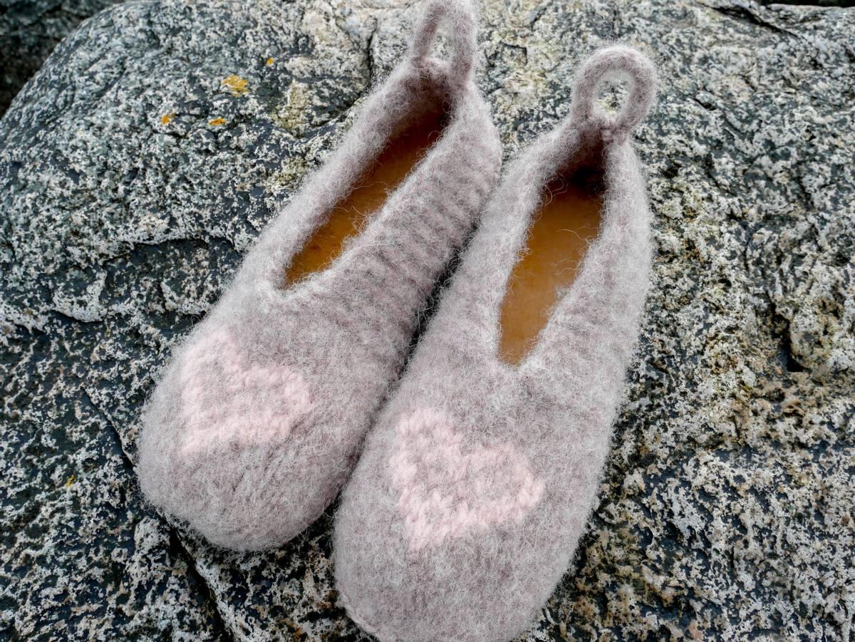 Oppskrift på Jennys tova tøfler, voksen